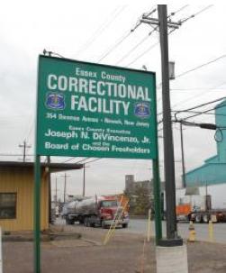 En New Jersey se prepara la construccion de una mega carcel para inmigrantes documentados o no documentados en proceso de deportacion. Mientras tanto en la carcel de presos comunes de Kearny se albergan a centenares de ellos.