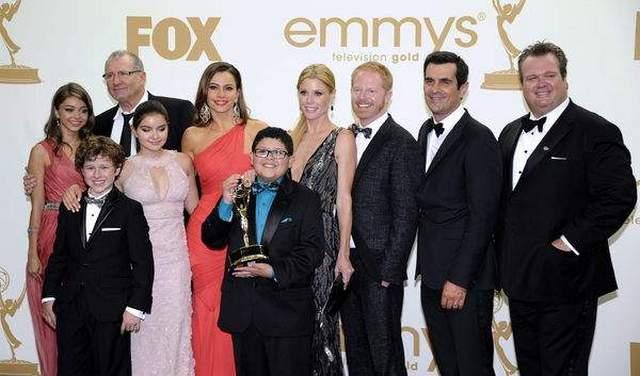 """Con razones para mostrarse felices los miembros del elenco de """"Modern Family"""".  Photo: Eldiariony.com"""