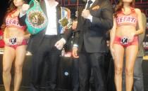 """""""Canelo"""" Álvarez y  Amir Khan promocionaron su pelea  en Times Square"""